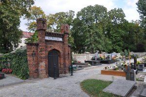 cmentarz w ostrowie wielkopolskim