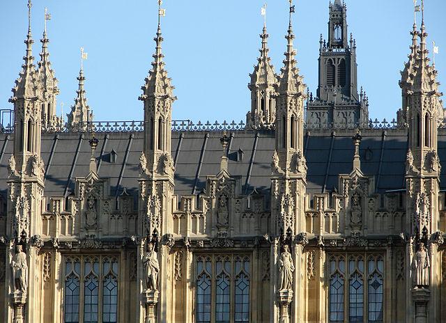 pinakle - style architektoniczne - pałac Westminsterski