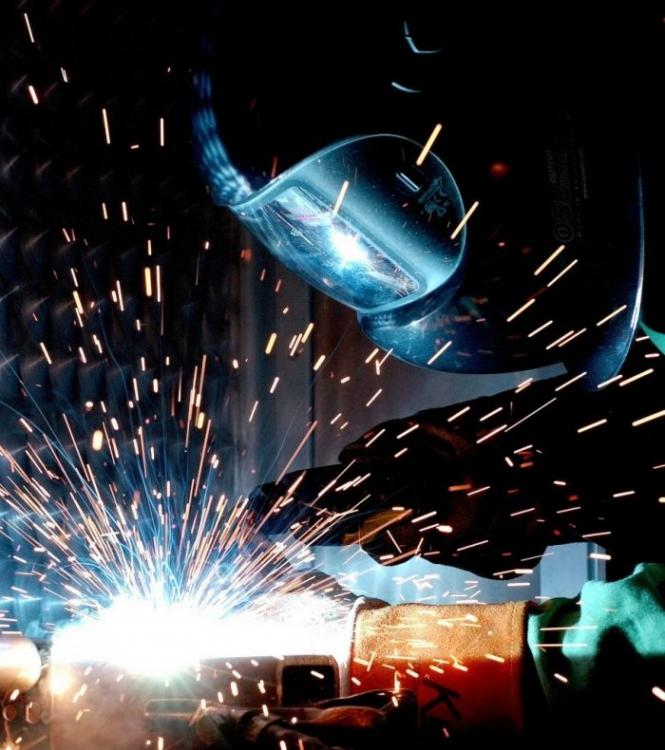 BHP w pracy elektryka i spawacza