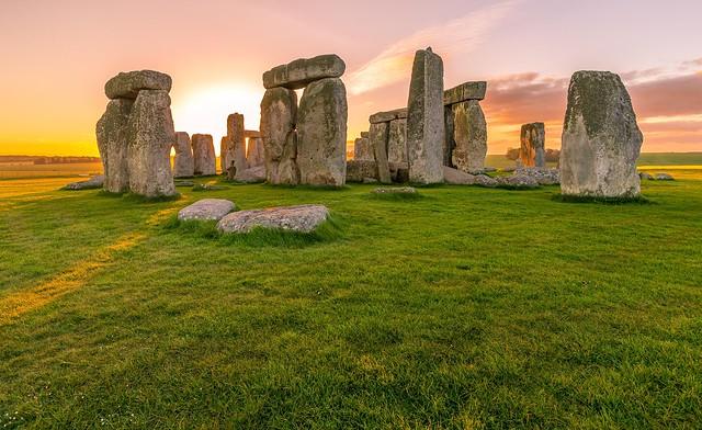 Jak zbudowano Stonehenge? - najnowsze odkrycia i ciekawostki!