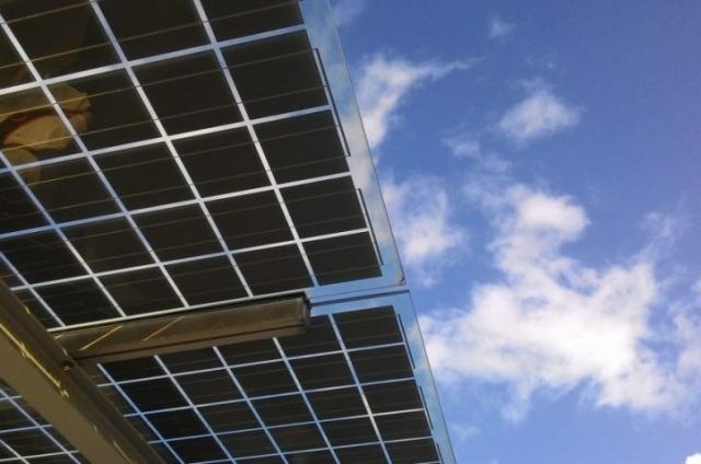 panele fotowoltaiczne w budownictwie ekologicznym