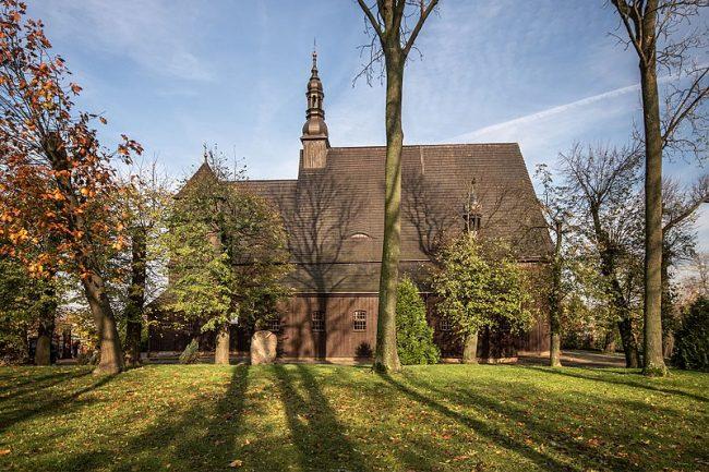 Drewniany kościół pod wezwaniem Michała Archanioła w Domachowie