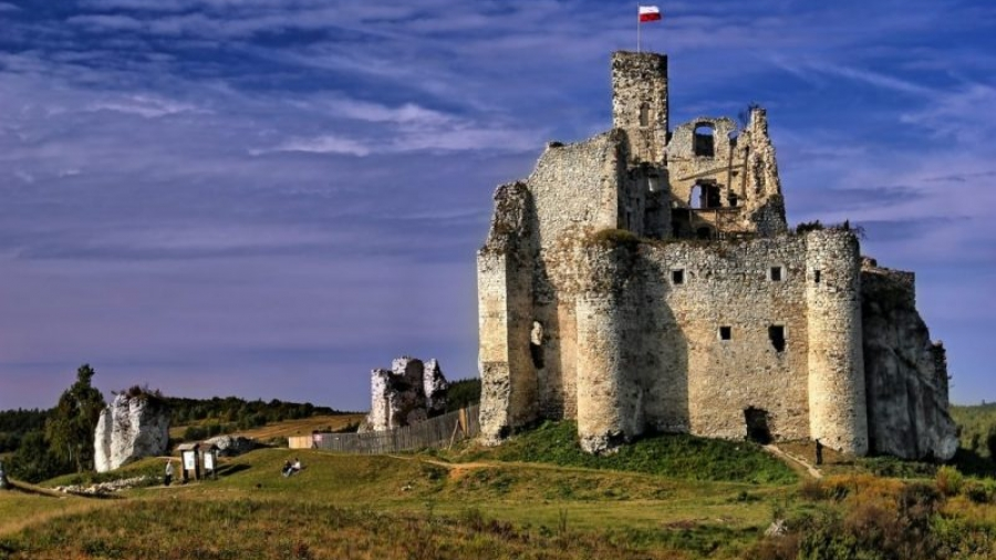 zamek w mirowie - odbudowa