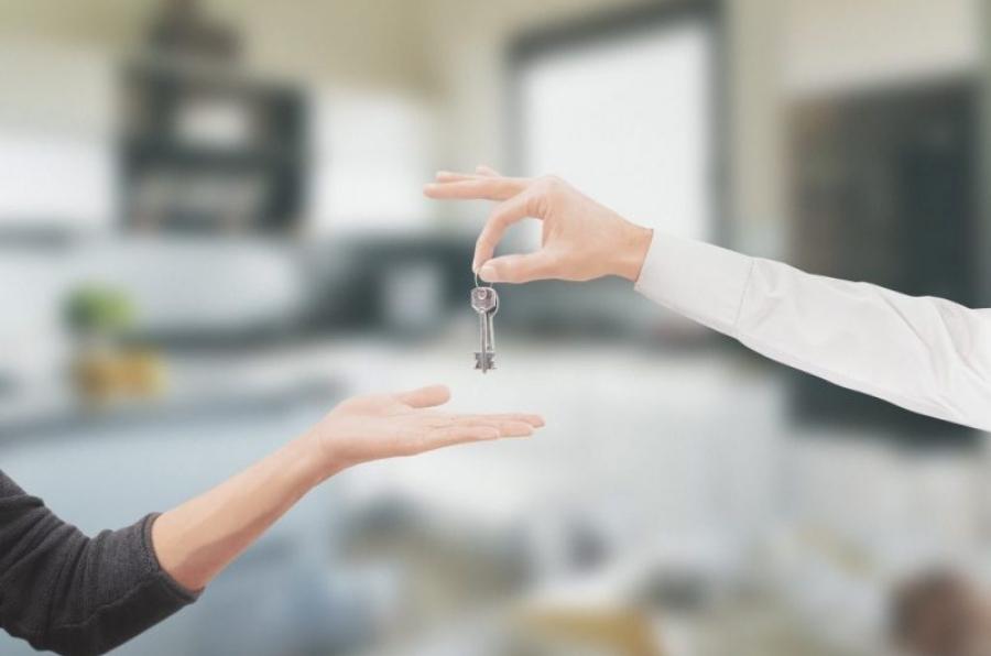 sprzedaż mieszkania przez pośrednika