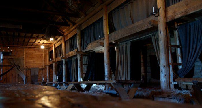 Rekonstrukcja Długiego Domu Wikingów - wnętrze