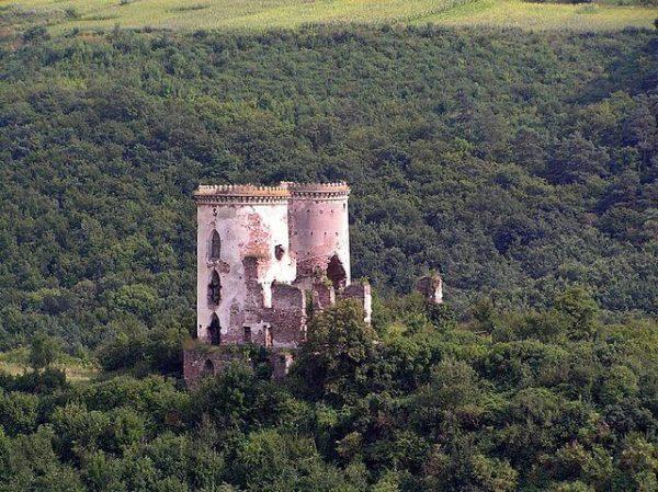 Zamek w Czerwonogrodzie
