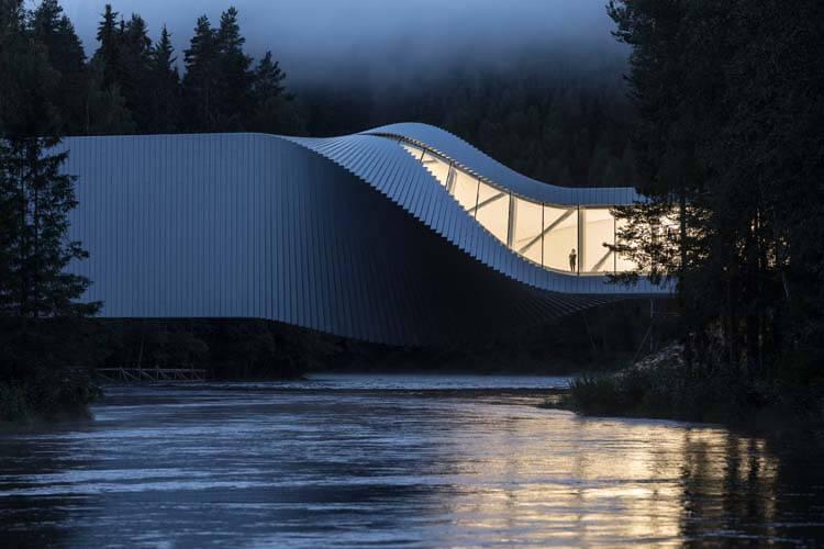 Główna wygrana oraz kategoria budynki z zewnątrz: The Twist Museum, Jevnaker, Norwegia. Autor: Laurian Ghinitoiu / APA19 / Sto