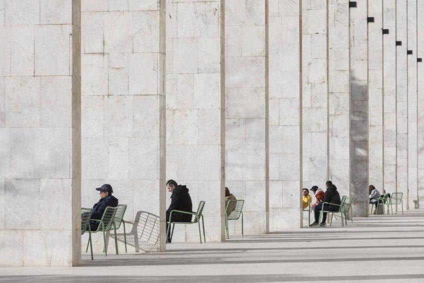Budynki w użyciu: Skanderbeg, Tirana, Albania. Autor: Laurian Ghinitoiu /APA19/Sto