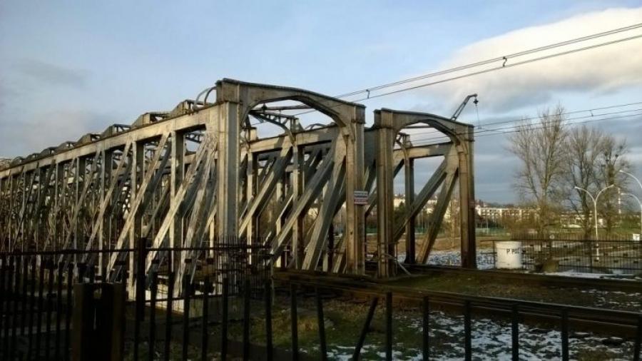 most kolejowy w przemyślu