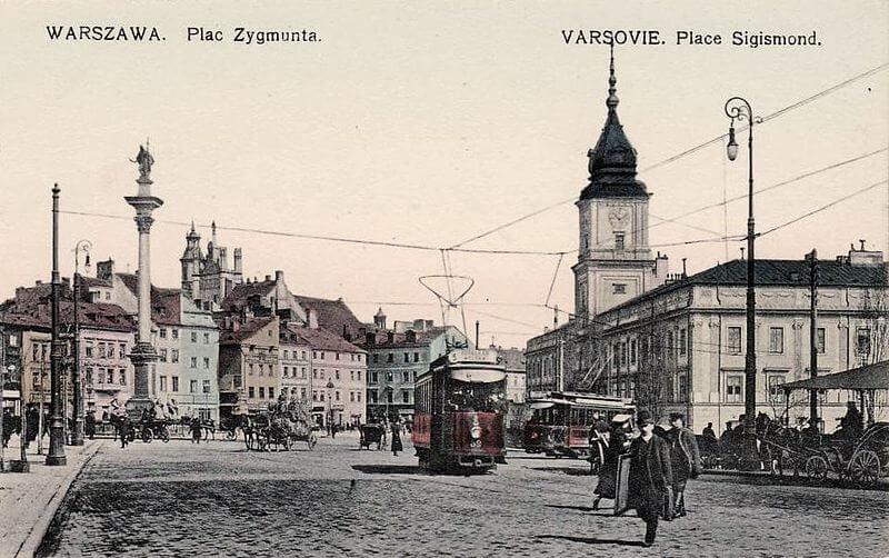 Widok na Zamek Królewski w Warszawie z około 1910 roku.