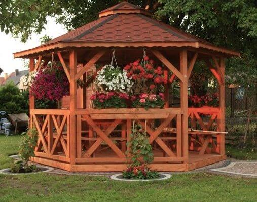 altana-ogrodowa-z-kwiatami