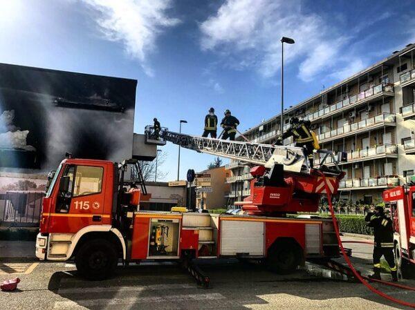 Jakie są zabezpieczenia przeciwpożarowe w budynkach?